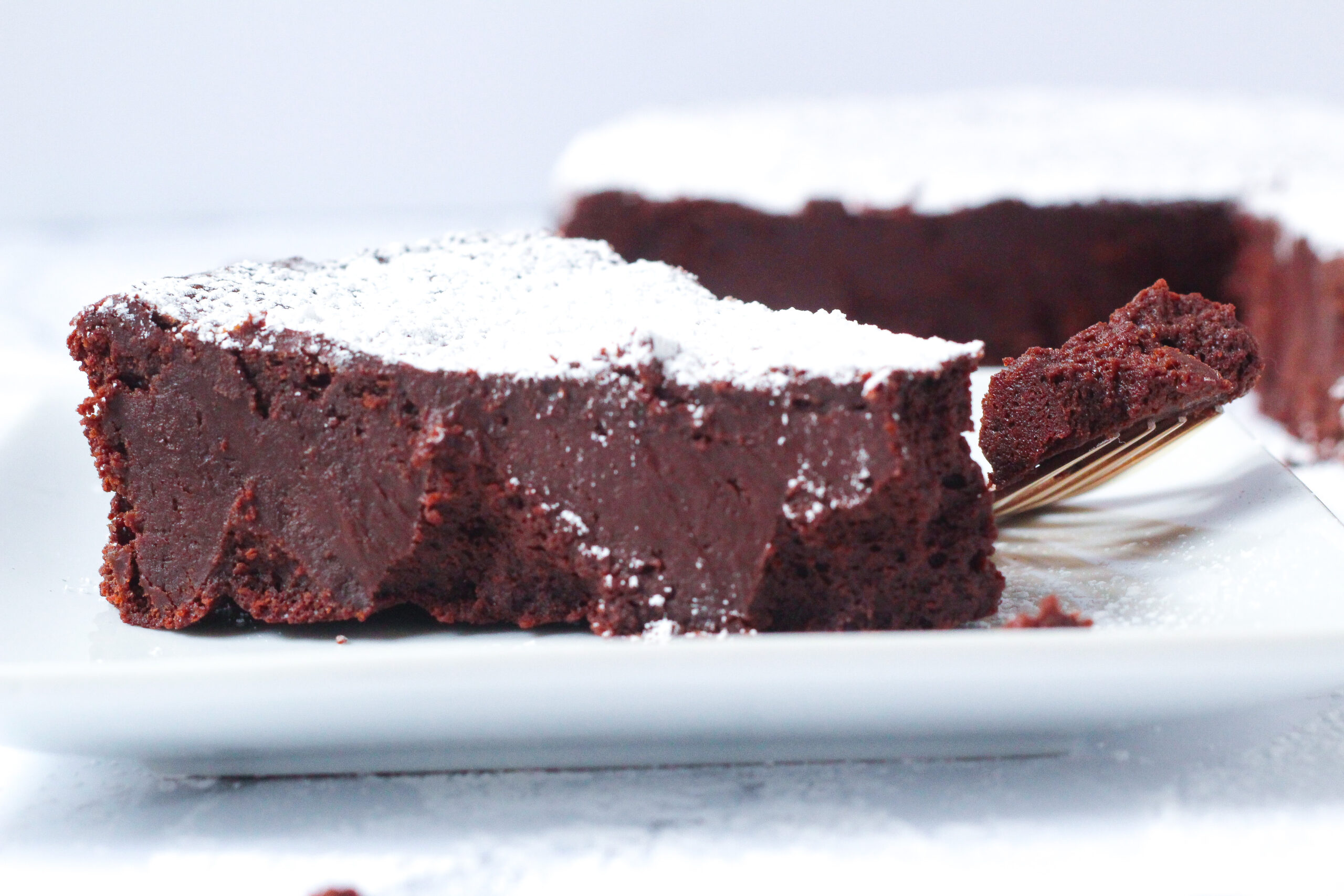 Red Wine Flourless Chocolate Cake
